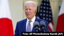 El presidente de Estados Unidos, Joe Biden, en conferencia de prensa con el primer ministro de Japón. (AP/Andrew Harnik).