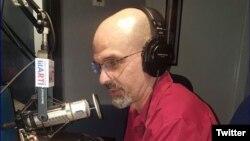 César Brioso en Radio Martí.
