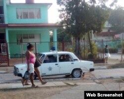 El momento del arresto fue captadoe n cámara por la esposa de Rodríguez Lobaina.