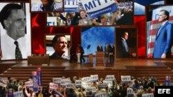 Delegados republicanos participan en la designación oficial del candidato presidencial del partido.