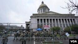 Miembros de la Guardia Nacional se ocuparon de la custodia del Capitolio tras los sucesos del 6 de enero en Washington, y mantuvieron sus labores hasta la toma de posesión de Joe Biden el 20 del mismo mes.