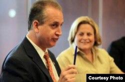 Los congresistas cubanoamericanos Ileana Ros-Lehtinen y Mario Diaz-Balart.
