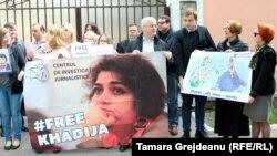 Manifestación en la capital de Moldavia en solidaridad con Jadija Ismailova.