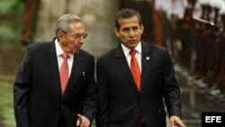 Raúl Castro recibió a Ollanta Humala en el Palacio de la Revolución de La Habana.