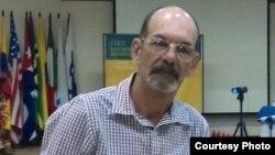 Liberan Leonardo Rodríguez, coordinador del Instituto Patmos en Cuba