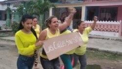 """Activistas en Placetas se unen a campaña """"Las calles son del pueblo"""". (Foto: Directorio Democrático Cubano)"""