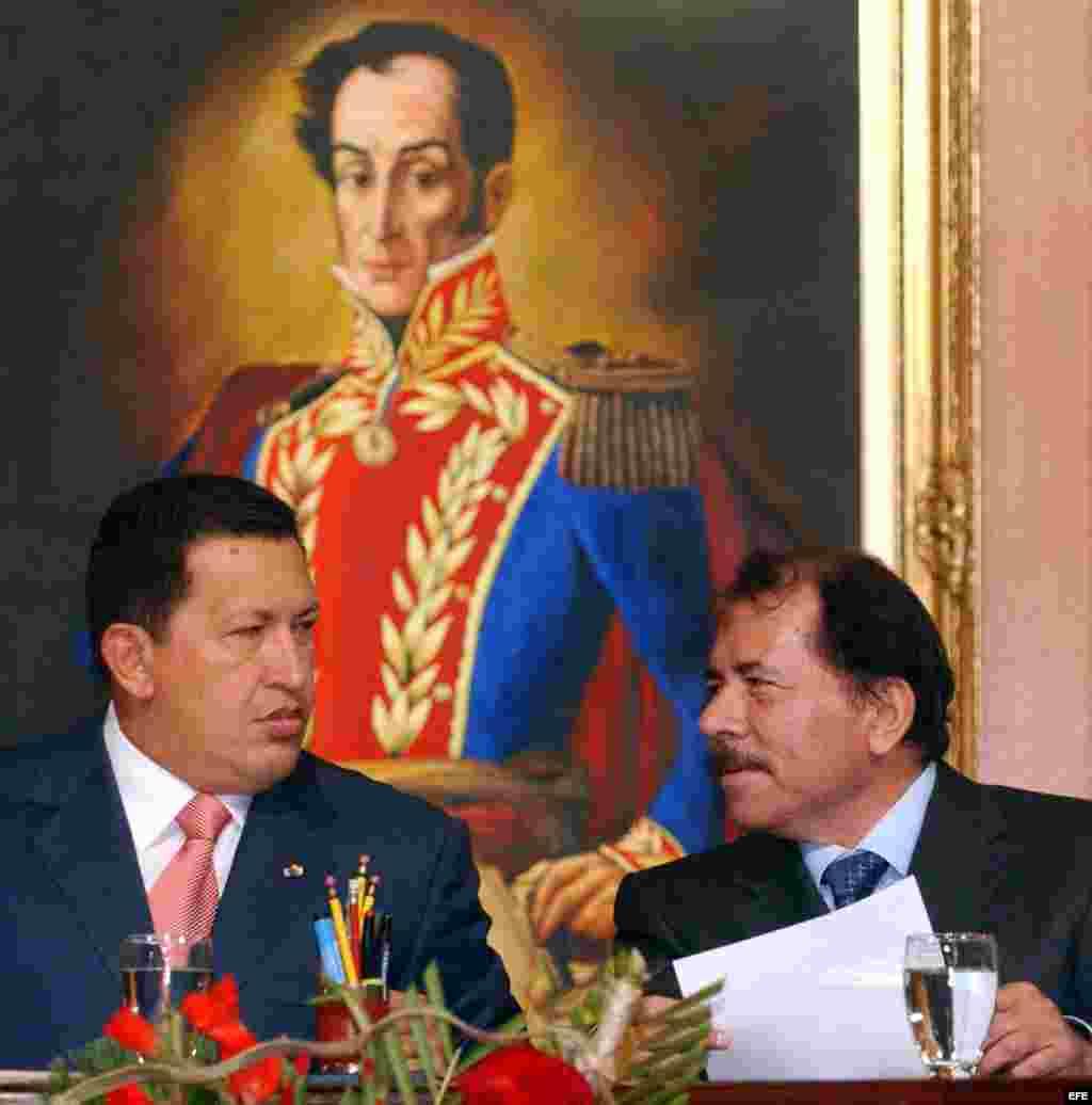 Los acuerdos con Nicaragua se mantienen intocables.En la foto Chávez y Ortega firmaron de un convenio entre 153 municipios nicaragüenses y la estatal Petróleos de Venezuela (PDVSA).