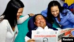 """La revista dice que a pesar de lo que digan sus seguidores, Chávez """"sigue estando demasiado enfermo para gobernar"""""""