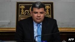 El parlamentario, Luis Parra, es sancionado por EE.UU