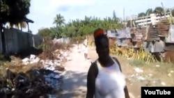 """Un camino vecinal se ha convertido en un vertero, y le llaman """"Calle de Basura""""."""