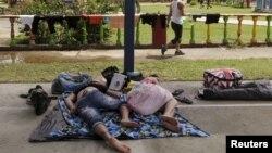Migrantes cubanos en Puerto Obaldía en Guana Yala, durante la oleada migratoria de 2.015