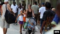 Cuestionan ley migratoria dentro de Cuba