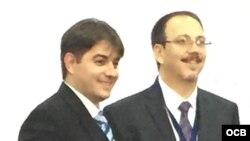 Alejandro Castro Espín y Abel Enrique González Santamaría (d-i).