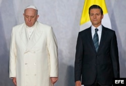 El papa Francisco junto al presidente de México, Enrique Peña Nieto.