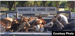 Foto en el interior del Cementerio de Colón, Habana.