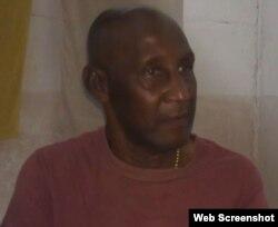 Armando Franco martínez trabaja como custodio en una empresa estatal en La Habana.