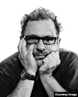 Rolando Jorge, poeta cubano residente en Miami.