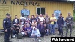 Emigrantes cubanos detenidos en Honduras