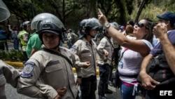 Marchan en Caracas en apoyo a Leopoldo López