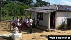 Escuela primaria en La Maya, Santiago de Cuba