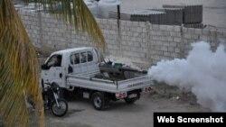 Vehículo de fumigación recorre barrios de Sancti Spíritus.