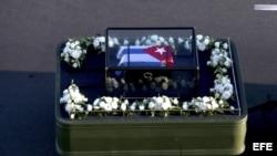 Un vehículo transporta las cenizas del fallecido exgobernante cubano Fidel Castro.