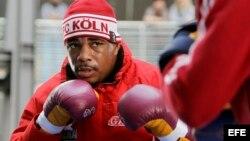 El boxeador cubano Odlanier Solis se entrena en Colonia