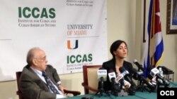Conferencia de prensa de Rosa María Payá en la Universidad de Miami.