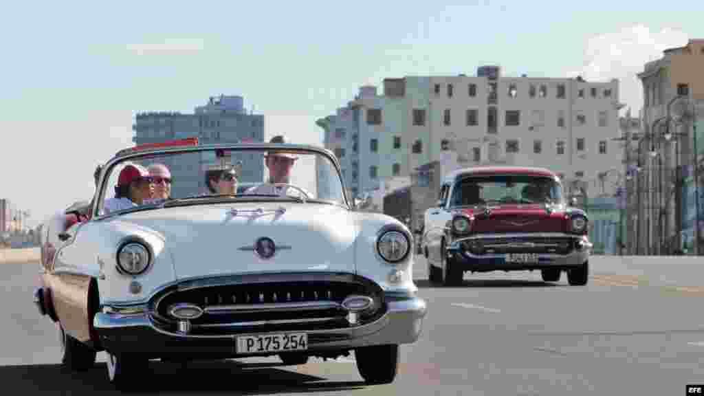Los autos clásicos son uno de los elementos favoritos de los estadounidenses que visitan Cuba.
