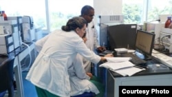 Médicos cubanos en Angola.