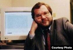 Phil Zimmermann, pionero de la encriptación de datos personales