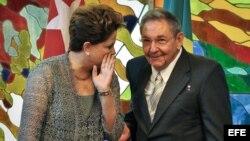 El artículo subraya que se equivocó quien pensó que con la presidenta Dilma Rousseff las cosas iban a cambiar.