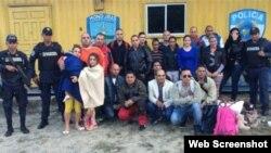 Grupo de cubanos retenidos el 11 de noviembre en Honduras