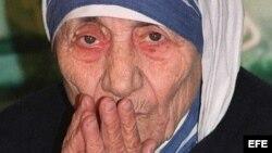 Fotografía de archivo tomada el 2 de marzo de 1993 que muestra a la Madre Teresa. El Papa Francisco ha firmado el decreto para la canonización de la madre Teresa de Calcuta, que previsiblemente se producirá el 4 de septiembre de 2016.