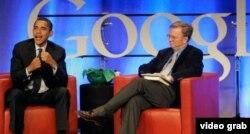 Caballo de Troya: Erich Schmidt (d) CEO de Google, propuso a La Habana Wi-Fi barato y fue ignorado.