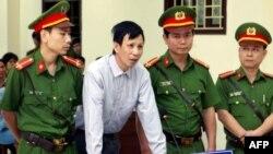 Nguyen Van Tuc, activista demócrata vietnamita condenado a trece años de cárcel por defender los derechos humanos.