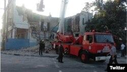 Rescatistas en la escena del derrumbe de un edificio en la localidad habanera de el Cerro, el 14 de marzo de 2019.