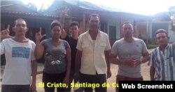 Activistas de UNPACU, en El Cristo, Santiago de Cuba, exigen liberación de Núñez Magdaria.