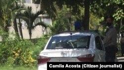 La vigilancia frente al hogar en La Habana de Camila Acosta, el 18 de abril de 2021