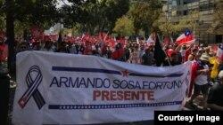 Pancarta de Armando Sosa Fortuny - (Marcha en Santiago de Chile)