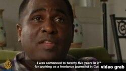 Una escena del documental de Al Jazeera con uno de los entrevistados, el periodista independiente Iván Hernández.