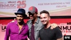 El cubano Descemer Bueno, el español Enrique Iglesias y el colombiano J. Balvin.