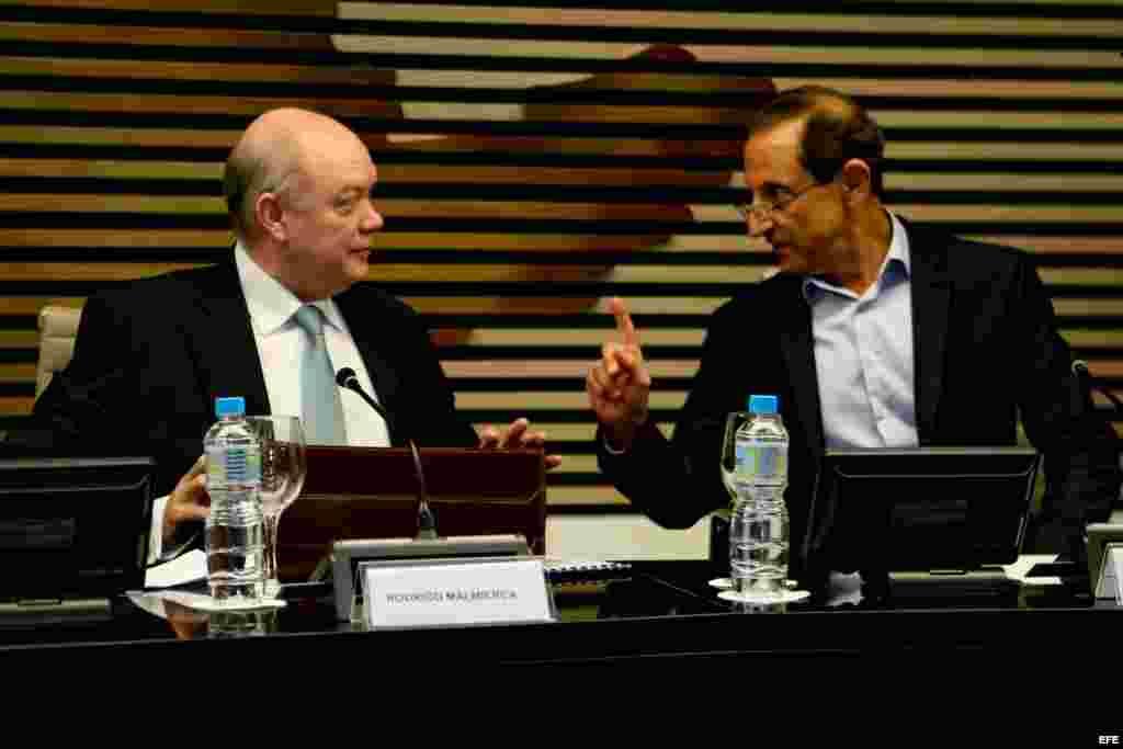 Malmierca explica a empresarios de Brasil las ventajas de invertir en Cuba.