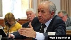 Senador Dionisio Garcia Carnero, portavoz del GPP en el Senado español.