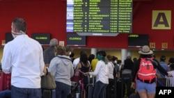 A la espera para salir de Cuba en el Aeropuerto José Martí