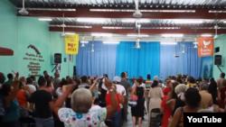 Iglesias ganan espacios en comunidades cubanas