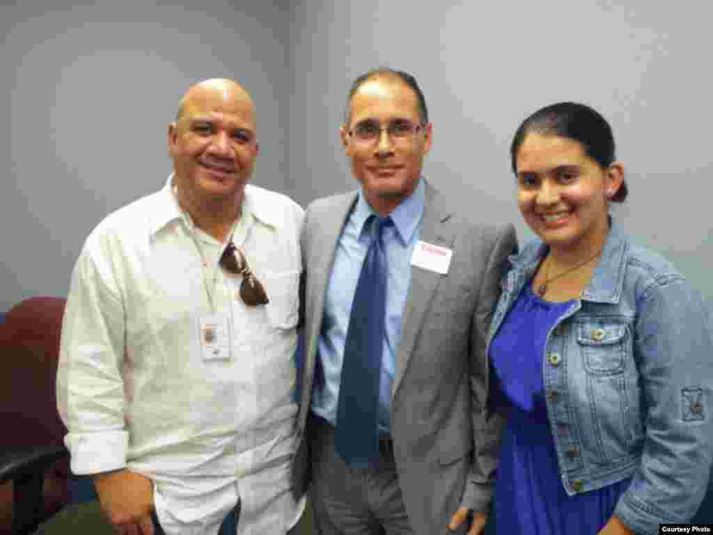 1800 Online con Luis Domínguez, autor del blog Cuba al descubierto