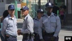 Fotografía de archivo de policías cubanos (PNR).