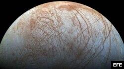La agencia espacial enviará una sonda con nueve instrumentos para investigar la misteriosa superficie del satélite de Júpiter.