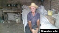 Reporta Cuba. Juan Hernández Maidiquez, anciano en Contramaestre. Foto: Yoandris Verane.
